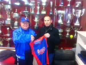 Raul Gonzalez nuevo Manager del 1er Equipo de Softbol