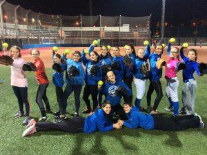 Éxito de participación con las clases magistrales de Lanzamiento rápido de Sofbol